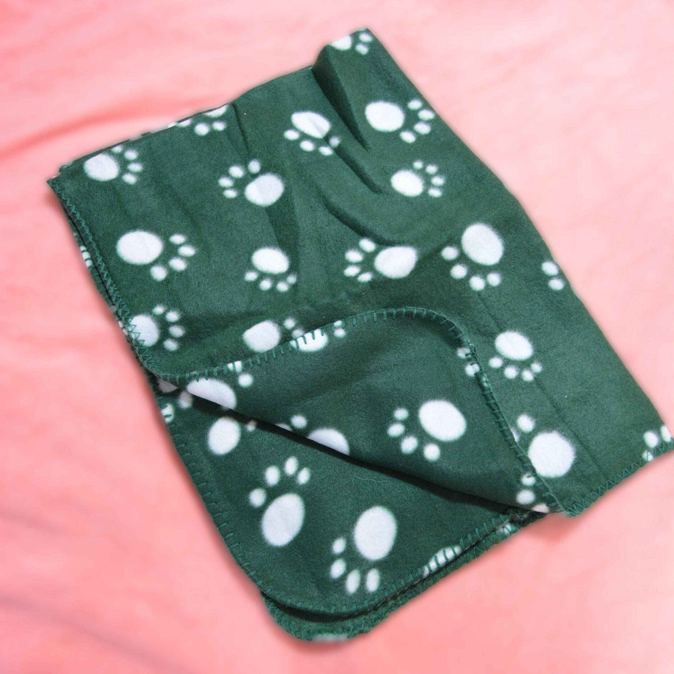 Deka - zelená s labkami